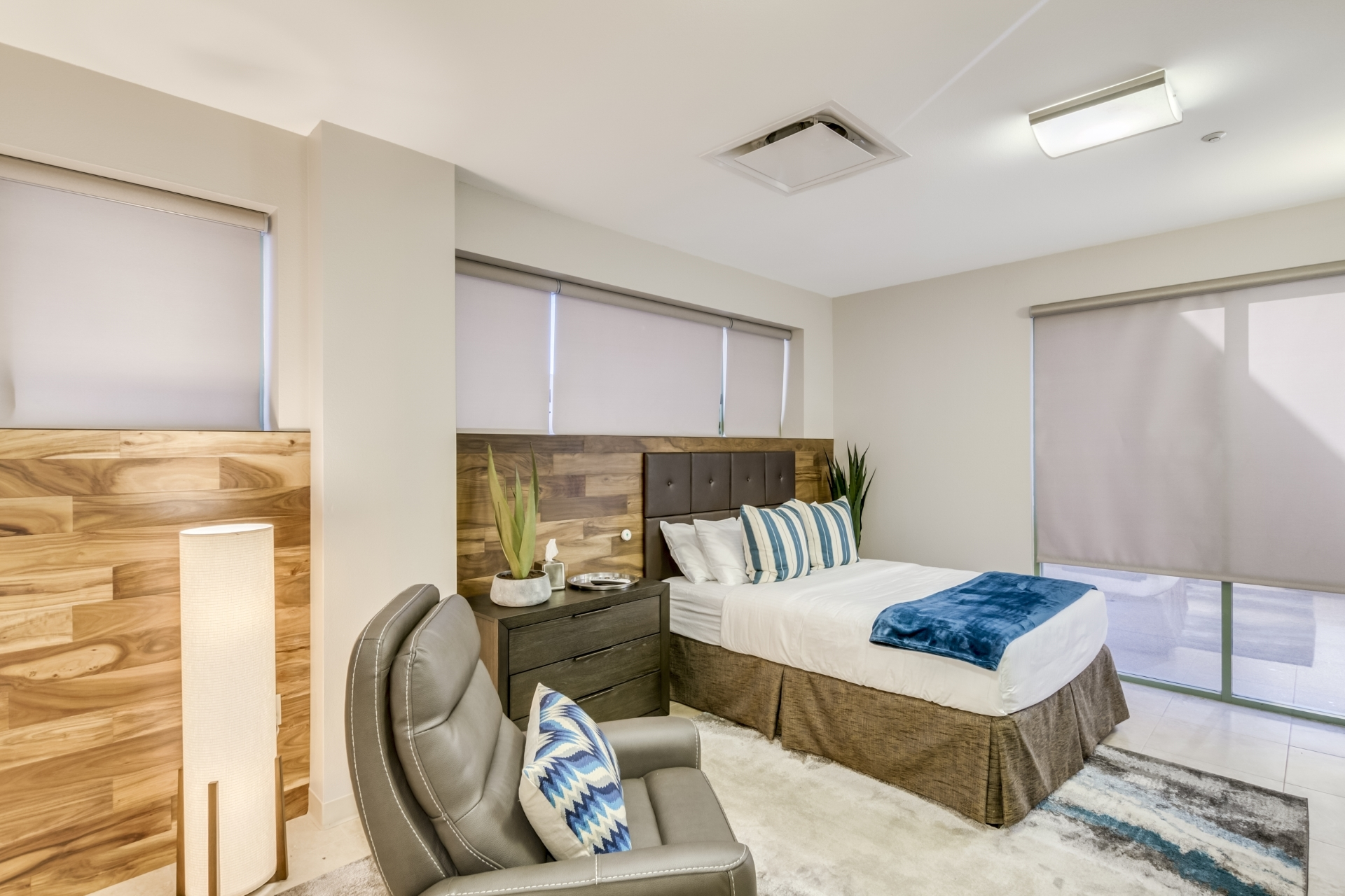 executive suite - private bedroom and bathroom at scottsdale drug and alcohol detox